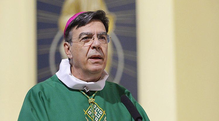 Mgr Michel AUPETIT, évêque de Nanterre à Chaville, Hauts-de-Seine, France.